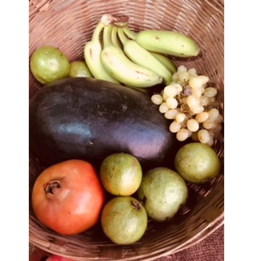 Weekly Fruit Basket - 500g Yellaki Banana, Guava (or Sapota), 1 pc Watermelon (or muskmelon), 250 gms pomegranate, 500g 1 seasonal fruit