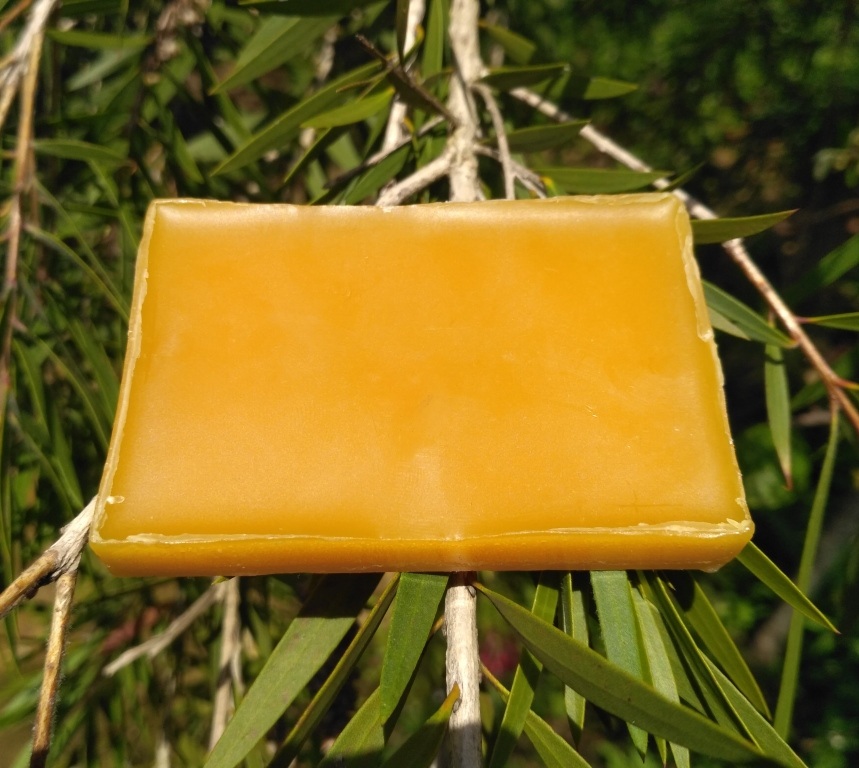 8 Household Tips to Use Beeswax Around the House
